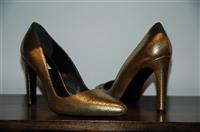 Gold Max Mara Pumps, size 7.5