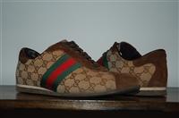 Monogram Gucci Sneaker, size 8.5