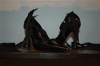 Black Leather Gucci Pumps, size 8