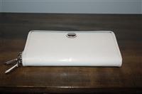 Creamy White Coach Wallet, size L