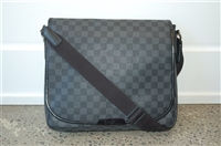 Graphite Louis Vuitton Messenger, size M
